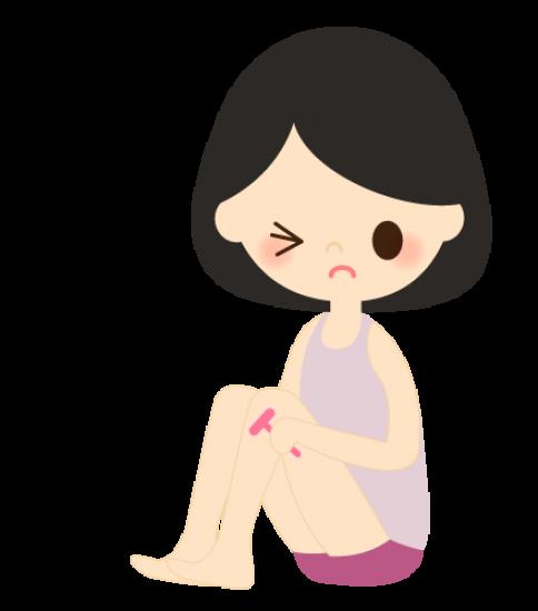 足の毛を自己処理する女性