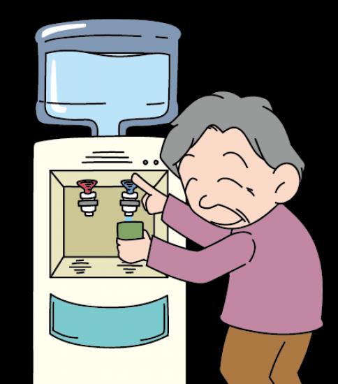 水を注ぐおばあさん