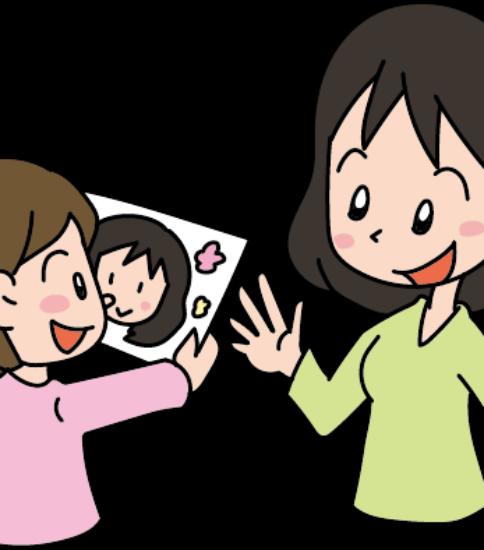 母の日に女の子から似顔絵をプレゼントされて喜ぶ母親